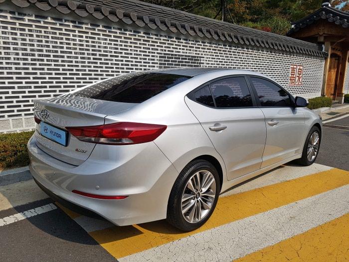 Hyundai Elantra 2016. Photo 2