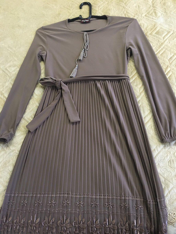 Длиное платье 46-48 размер, одевала один раз, отдам за 1000 сом