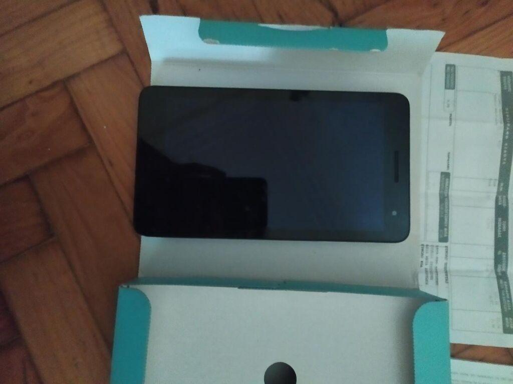 Huawei Tablet σχεδόν αχρησιμοποίητο γι'αυτό και πωλειται