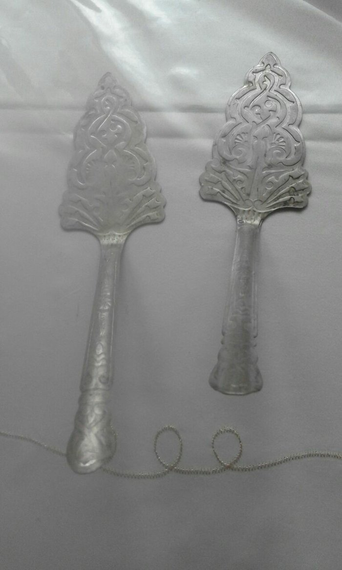 Bakı şəhərində Tort götürən qaşıq. qədimidir. biri 10 man