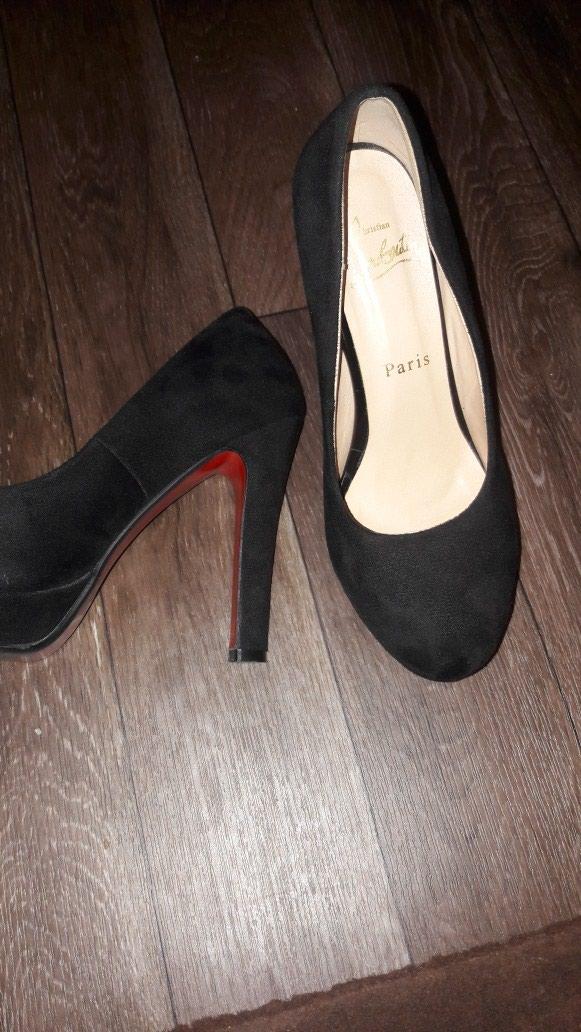 Женские туфли. Photo 0