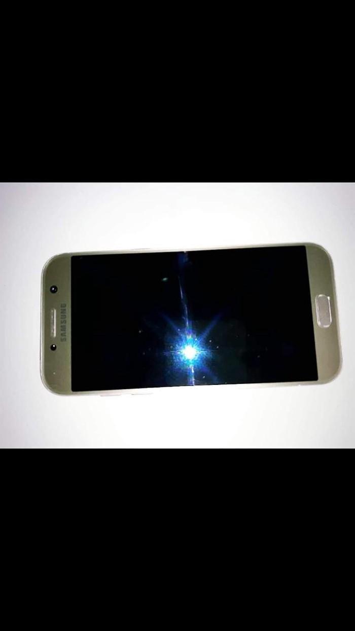 Καινούργιο Samsung Galaxy A5 2017 32 GB χρυσός. Photo 1