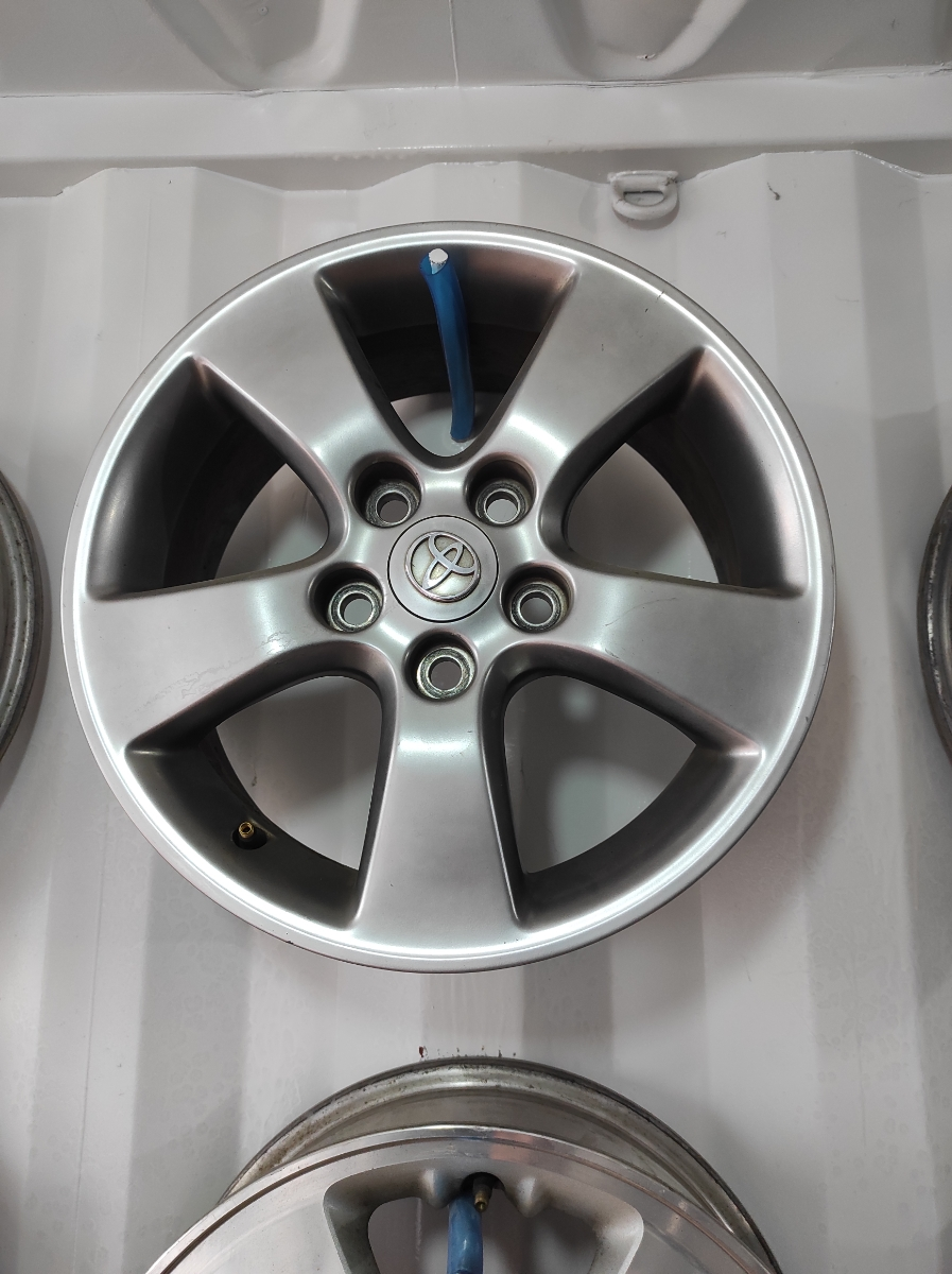 Toyota R16
