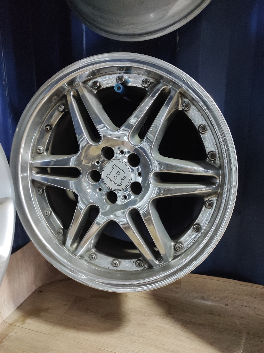 Mercedes R19