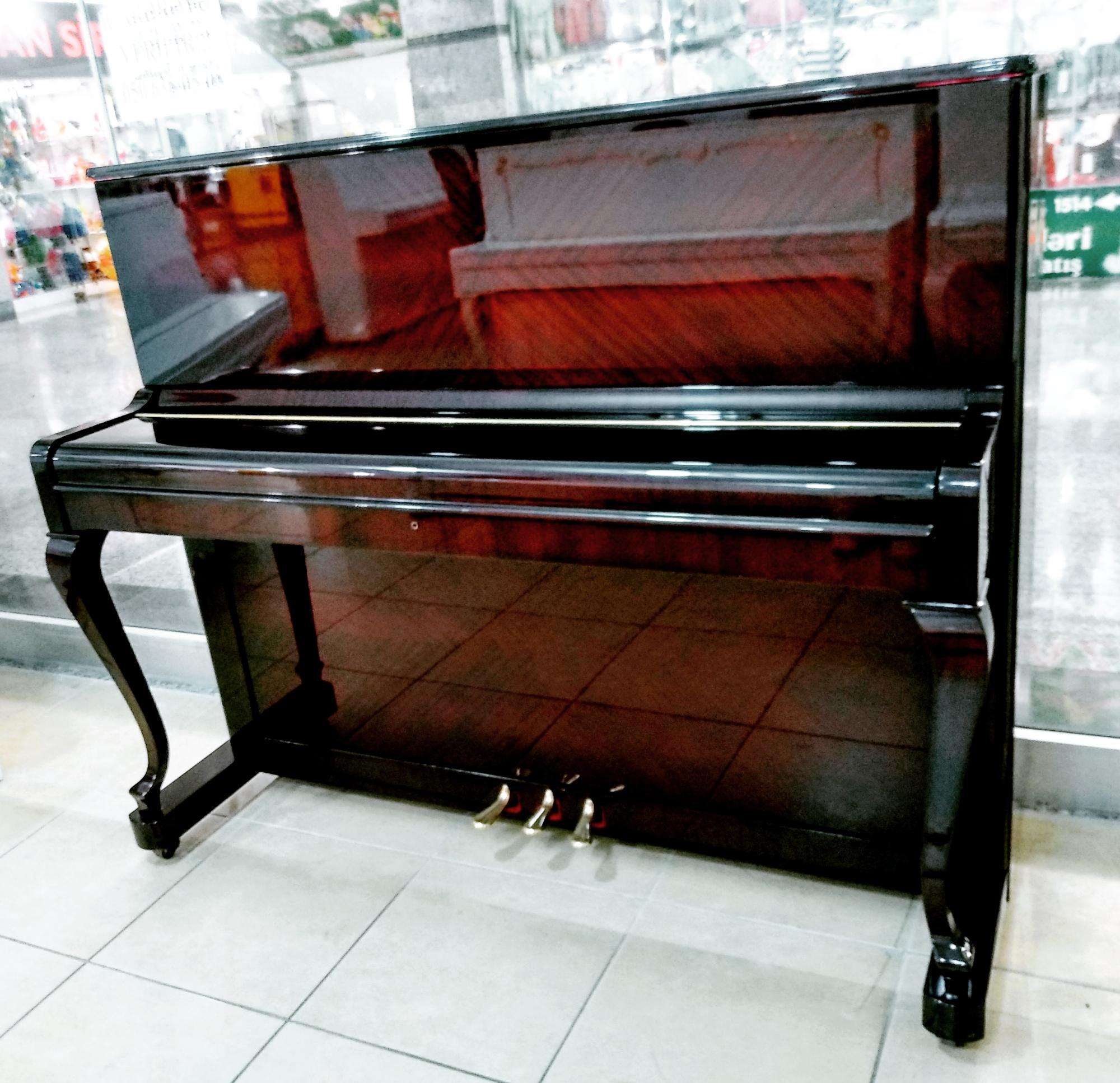Akustik Piano