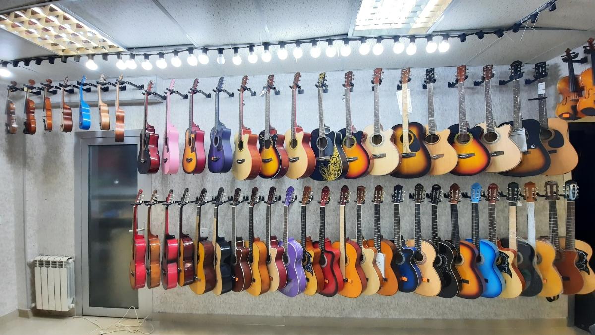 Gitaralar hər növdə,